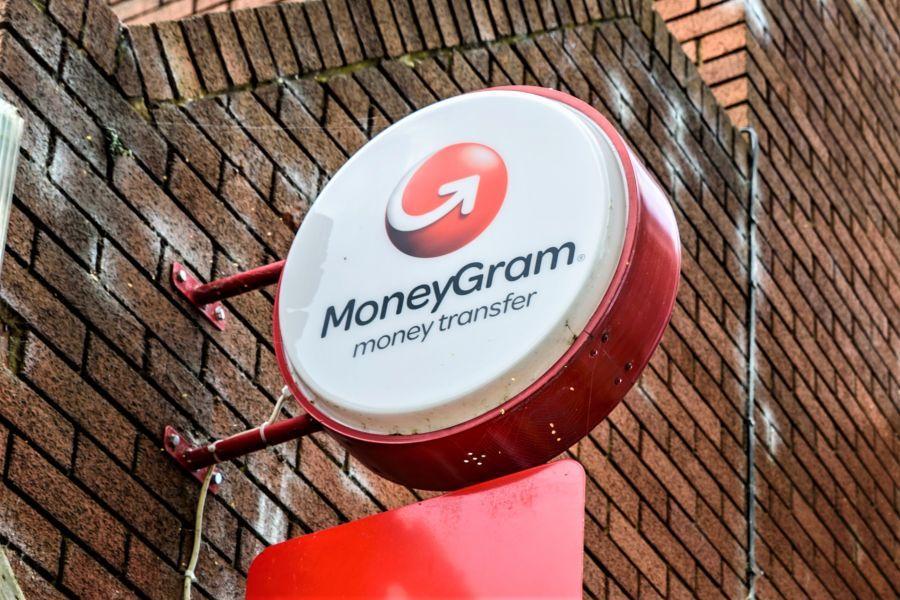 MoneyGram passa a Bitcoin dopo aver concluso la partnership con Ripple