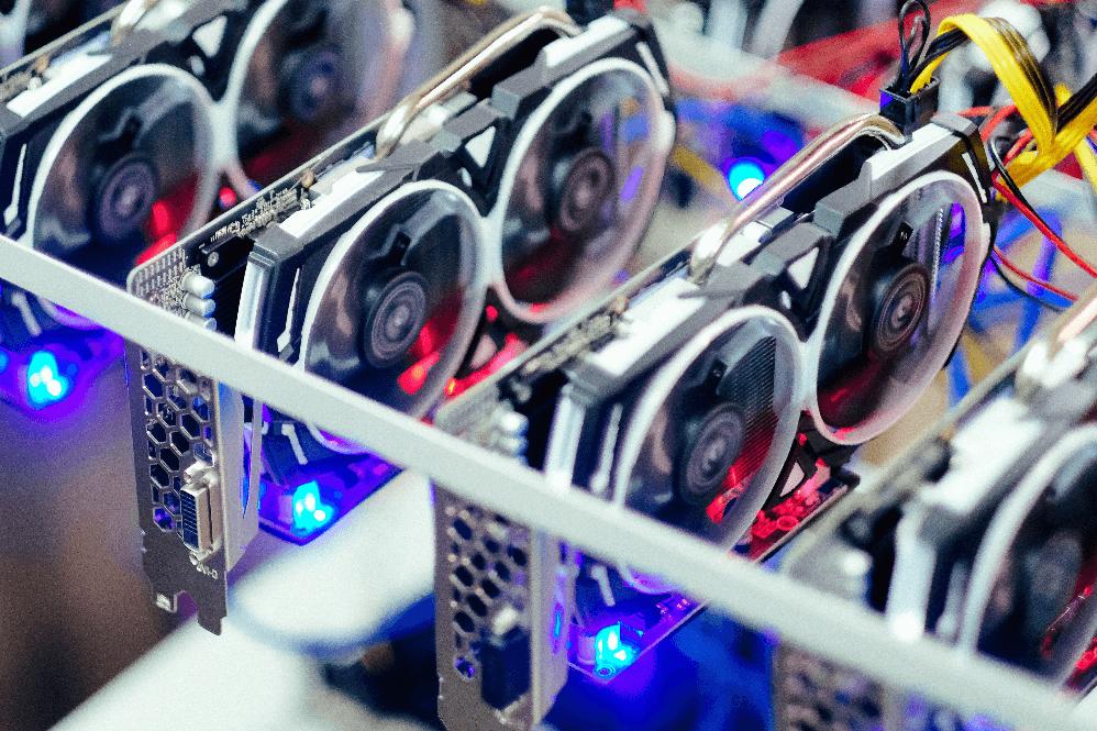 Il COVID costringe gli Internet café cinesi a trasformarsi in hub per il mining cripto