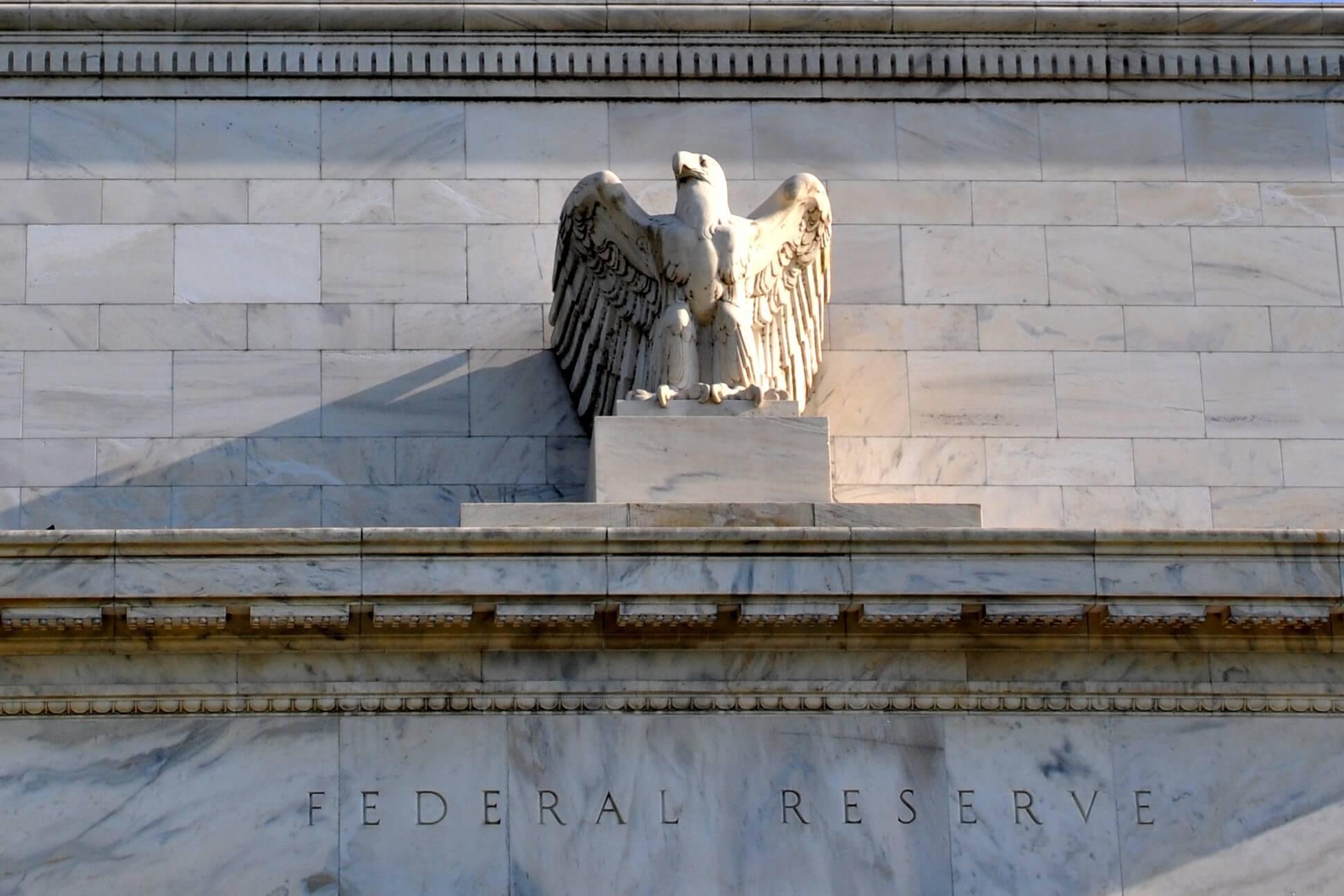 L'inattività della Fed statunitense può portare Bitcoin sulla luna, ma è possibile un impatto negativo
