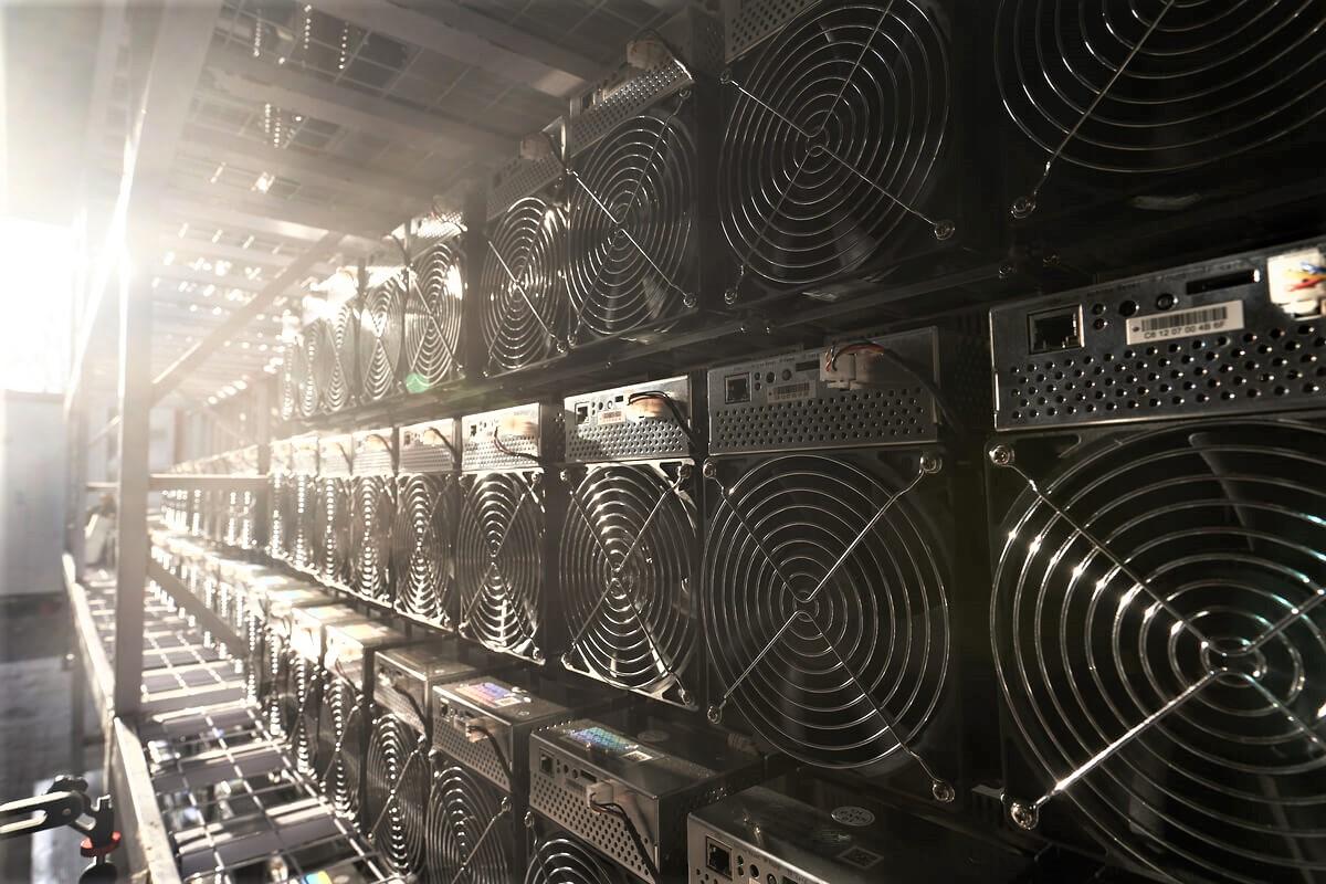 Redditività del mining di Bitcoin elevata, anche l'hashrate inizia a crescere