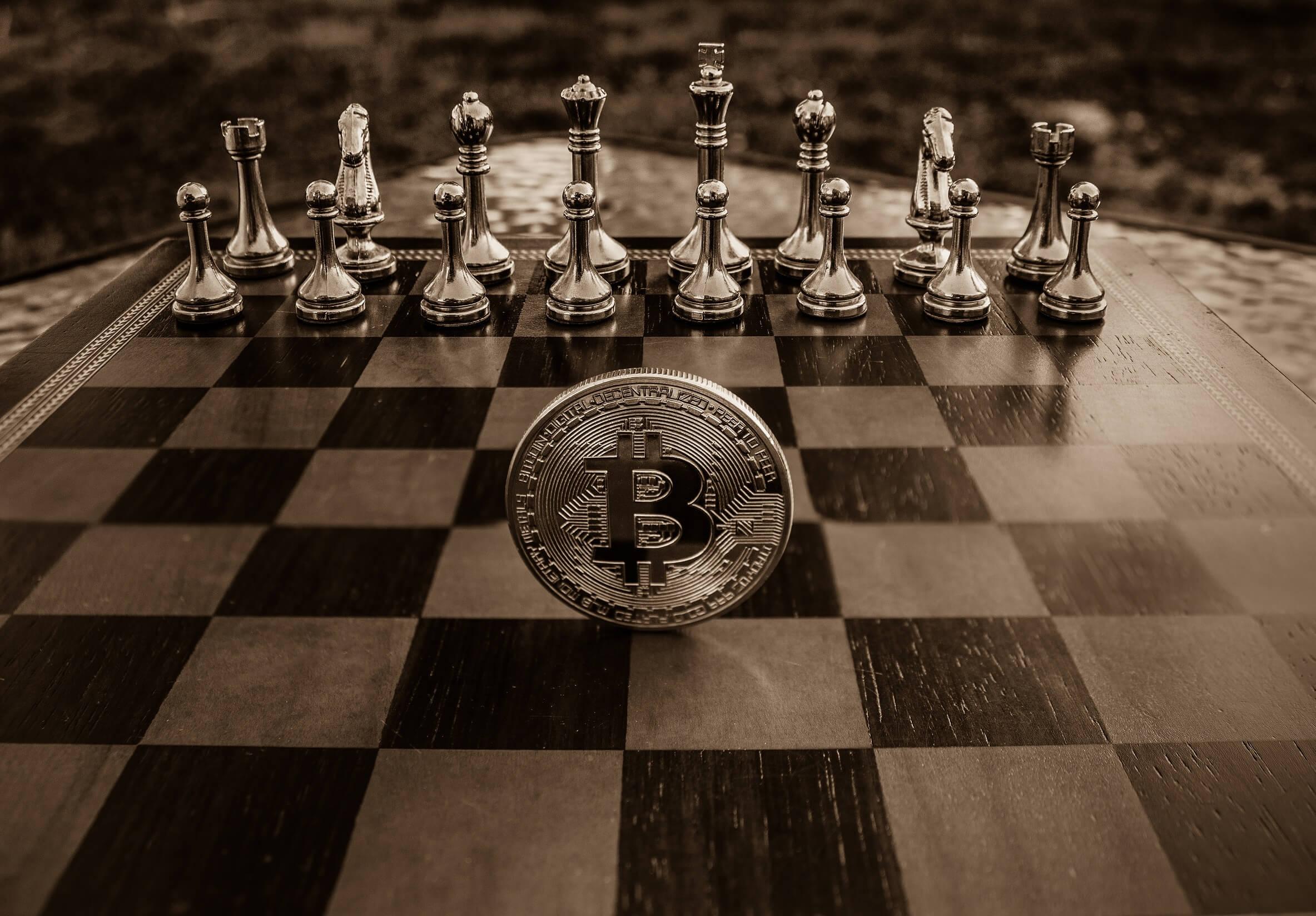 Bitcoin si contende il trono con l'oro e con Ethereum